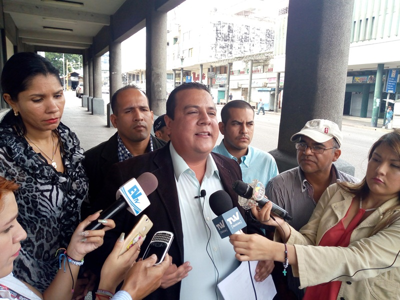 FundaRedes exige al ministro Padrino López expulsar de Venezuela a la guerrilla