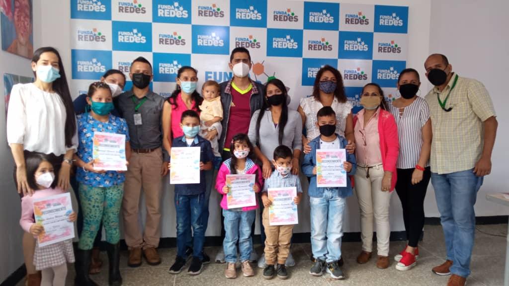 Entregaron premiación a niños que participaron  en concurso Le doy color a mis derechos